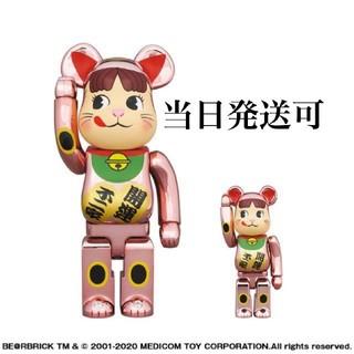 フジヤ(不二家)のBE@RBRICK 招き猫 ペコちゃん 桃金メッキ 100% & 400%(その他)