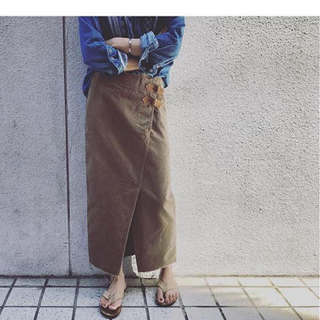 ファビアンルー(Fabiane Roux)のnowos コーデュロイスカート 新品(ロングスカート)