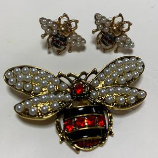 アメリヴィンテージ(Ameri VINTAGE)の蜂 BEE INSECT パール ブローチ&ピアス セット(ブローチ/コサージュ)