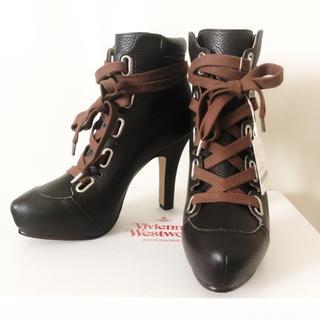 ヴィヴィアンウエストウッド(Vivienne Westwood)の☆新品、定価56000円☆サイズ40,ブーティ、ショートブーツ、ヴィヴィアン  (ブーツ)
