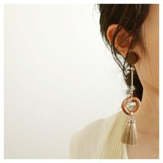 トゥデイフル(TODAYFUL)のTassel Series Ring Design イヤリング(イヤリング)