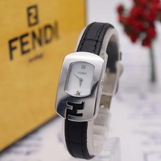 FENDI - 正規品【新品電池】FENDI 30000L/ダイヤ2P ホワイトシェル