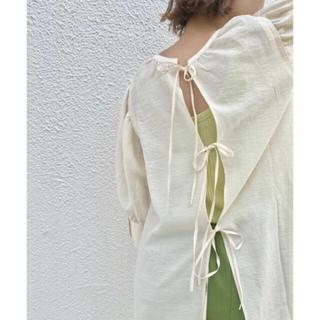 カスタネ(Kastane)のBACKリボンロングデザインブラウス(シャツ/ブラウス(長袖/七分))