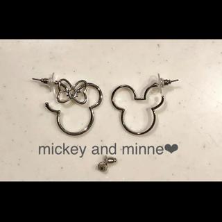 Disney - シルエット型ミッキー&ミニーピアス♡シルバー