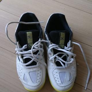 ミズノ(MIZUNO)のオールコート テニスシューズ 23.5センチ(シューズ)