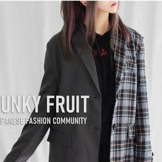 ファンキーフルーツ(FUNKY FRUIT)の【更に値下げ】新品funkyfruits ジャケット(テーラードジャケット)