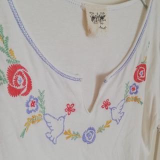 ダブルクローゼット(w closet)のダブルクローゼット 刺繍 半袖 カットソー Tシャツ(Tシャツ(半袖/袖なし))
