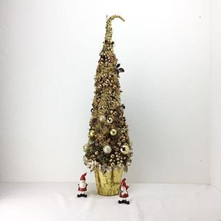 クリスマス ゴールドカラーのキラキラ、大きなクリスマスツリー(その他)