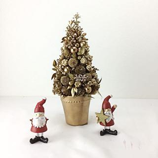 クリスマス ゴールドカラーの木の実のクリスマスツリー(その他)