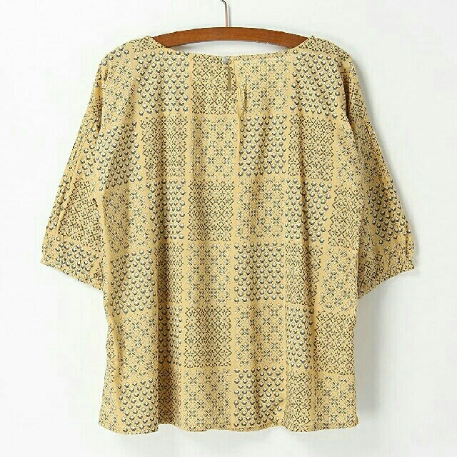 SM2(サマンサモスモス)のsamansa mos2 新品 パッチワーク風ブラウス レディースのトップス(シャツ/ブラウス(半袖/袖なし))の商品写真