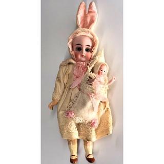 カマー&ラインハルト アンティーク ビスクドール ウサギの親子