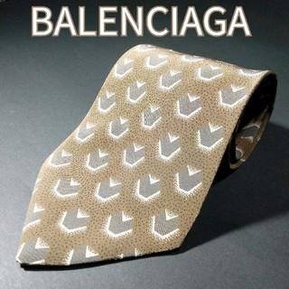 バレンシアガ(Balenciaga)の【極美品】BALENCIAGA 総柄 ネクタイ カーキ(ネクタイ)