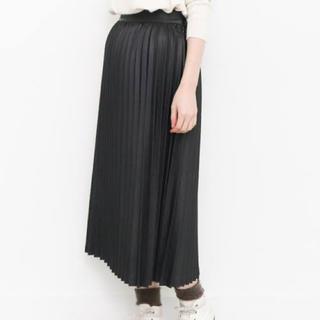 ケービーエフ(KBF)のKBF  フェイクレザースカート(ひざ丈スカート)