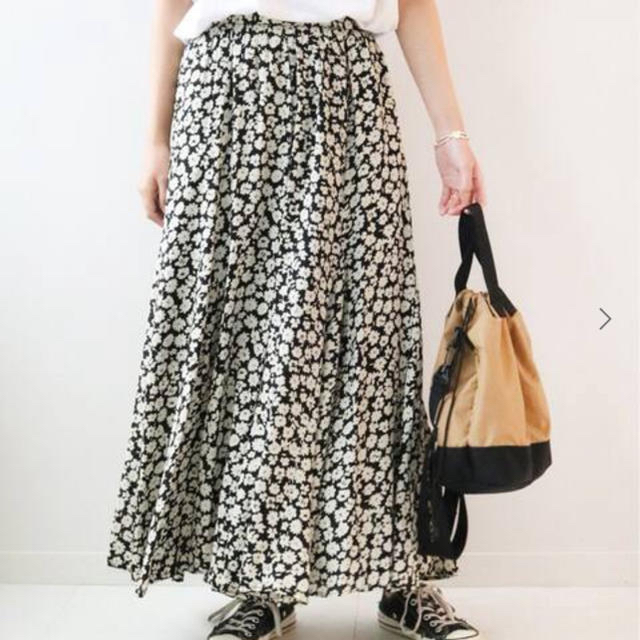 JOURNAL STANDARD(ジャーナルスタンダード)の新品未使用 JOURNAL STANDARD relume フラワースカート レディースのスカート(ロングスカート)の商品写真