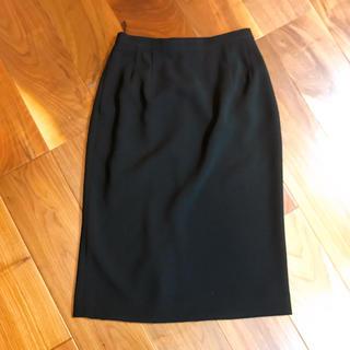 未使用 ブラックスカート しわになりにくい形綺麗