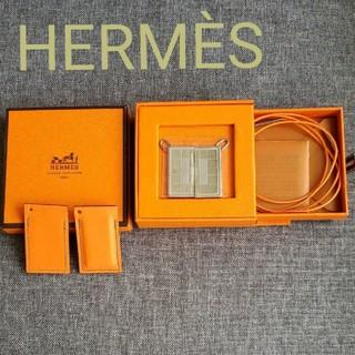 Hermes - HERMÈS 2001年銀座店限定ペアネックレス