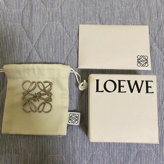 LOEWE - LOEWE アナグラム ブローチ