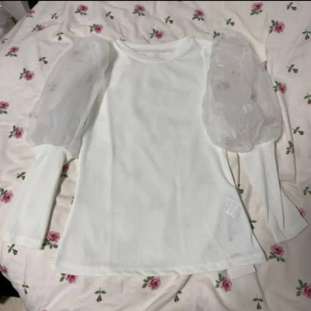 GRL(グレイル)の袖チュール切替えニットトップス パフスリーブ レディースのトップス(シャツ/ブラウス(半袖/袖なし))の商品写真
