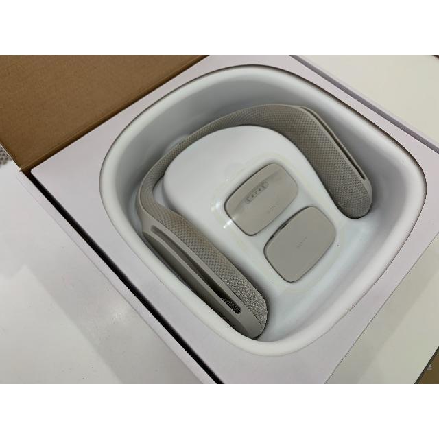 SONY(ソニー)の★SONY SRS-WS1 ウェアラブルネックスピーカー★ スマホ/家電/カメラのオーディオ機器(ヘッドフォン/イヤフォン)の商品写真