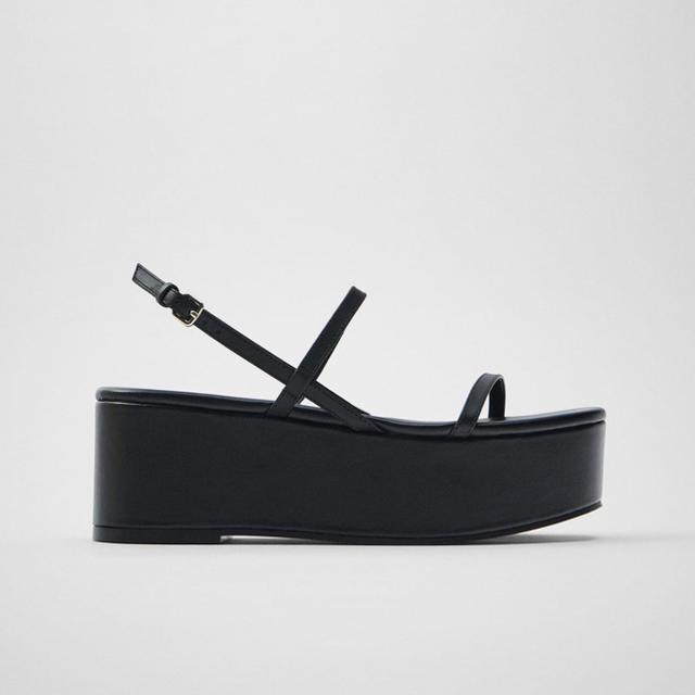 ZARA(ザラ)のZARA リアルレザーサンダル 26cm 40 レディースの靴/シューズ(サンダル)の商品写真