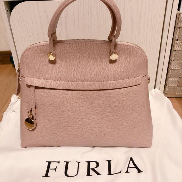 Furla(フルラ)のフルラパイパーM ピンクベージュ(旧モデル)☆ レディースのバッグ(ハンドバッグ)の商品写真