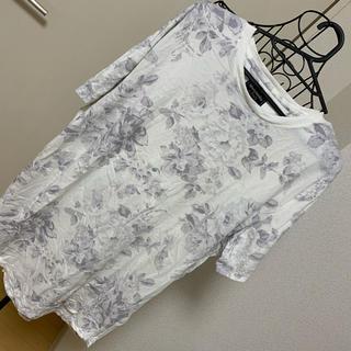 アバクロンビーアンドフィッチ(Abercrombie&Fitch)のAbercrombie&Fitch 花柄Tシャツ(Tシャツ/カットソー(半袖/袖なし))