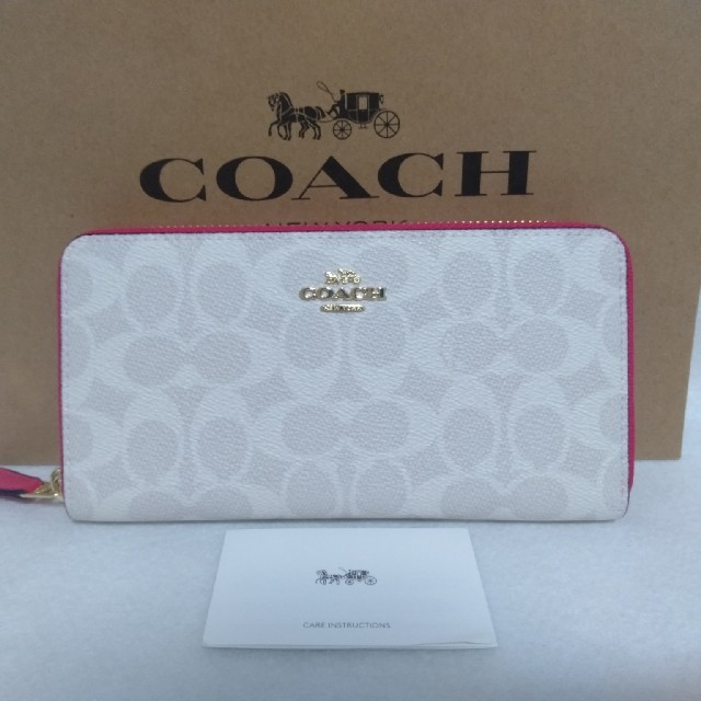 COACH(コーチ)の新品未使用 COACH コーチ シグネチャー ホワイト ピンク 財布 レディースのファッション小物(財布)の商品写真