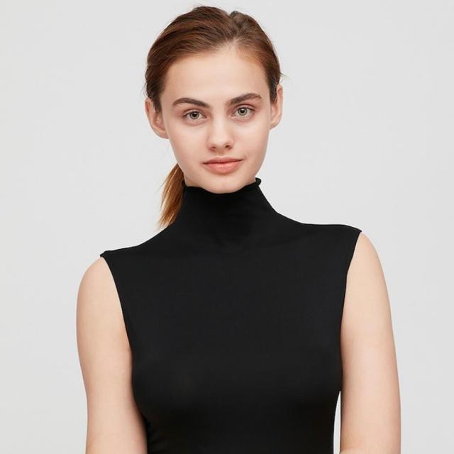UNIQLO(ユニクロ)のXLサイズブラック2枚 エアリズムUVカットハイネックT(ノースリーブ) レディースのトップス(Tシャツ(半袖/袖なし))の商品写真