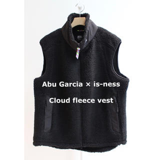 is-ness - Abu Garcia × is-ness  Cloud fleece vest