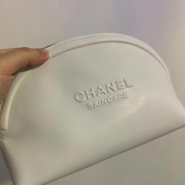 CHANEL(シャネル)のシャネルポーチ ノベルティ  限定正規品 本物 レディースのファッション小物(ポーチ)の商品写真