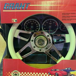 シボレー(Chevrolet)のレア!GRANT グランツ チャレンジャーステアリング ホワイト(車内アクセサリ)