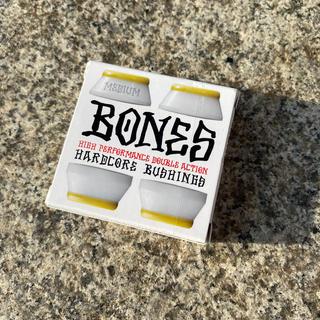 インディペンデント(INDEPENDENT)のスケボーブッシュセット BONES ボーンズ MEDIUM ホワイト 新品(スケートボード)