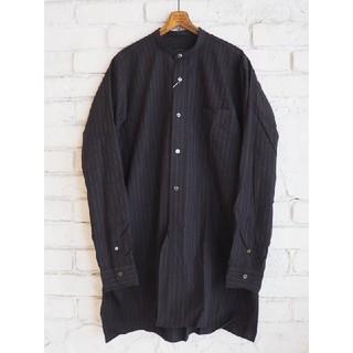 コモリ(COMOLI)のCOMOLI 19AW チョークストライプ バンドカラーシャツ サイズ1(シャツ)