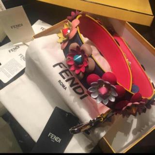 フェンディ(FENDI)の今年購入❣️ 新品❣️タグ付き❣️正規FENDIバッグフラワーストラップ(バッグチャーム)