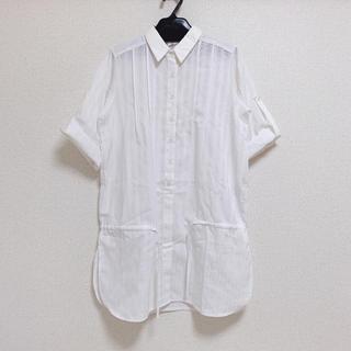 アイズビットガーディアン(ISBIT GUARDIAN)のストライプシャツ(シャツ/ブラウス(半袖/袖なし))
