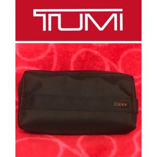 トゥミ(TUMI)のJAL×TUMI ビジネスクラスアメニティポーチ ブラック 新品(旅行用品)