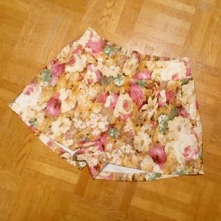 ミスティウーマン(mysty woman)の【値下げ♪】mysty woman♥花柄 ショートパンツ キュロット レディース(ショートパンツ)