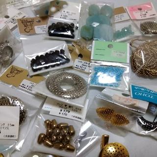 キワセイサクジョ(貴和製作所)のminataku様専用珊瑚 スワロなど8000円ぶん(各種パーツ)