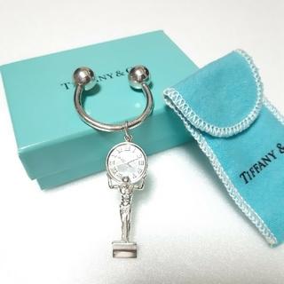 ティファニー(Tiffany & Co.)のティファニー キーリング キーホルダー アトラス 時計 人 チャーム(キーホルダー)