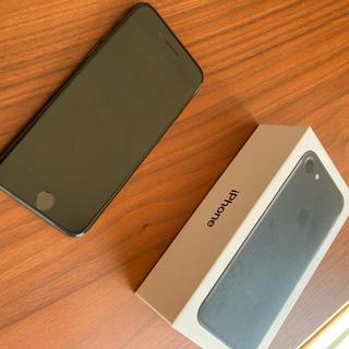 アイフォーン(iPhone)のiPhone7 本体 SIMフリー(携帯電話本体)