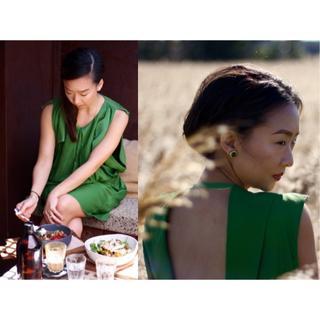 アクネ(ACNE)のアクネ ACNE グリーン オープンバック ドレス ワンピース 32(ひざ丈ワンピース)