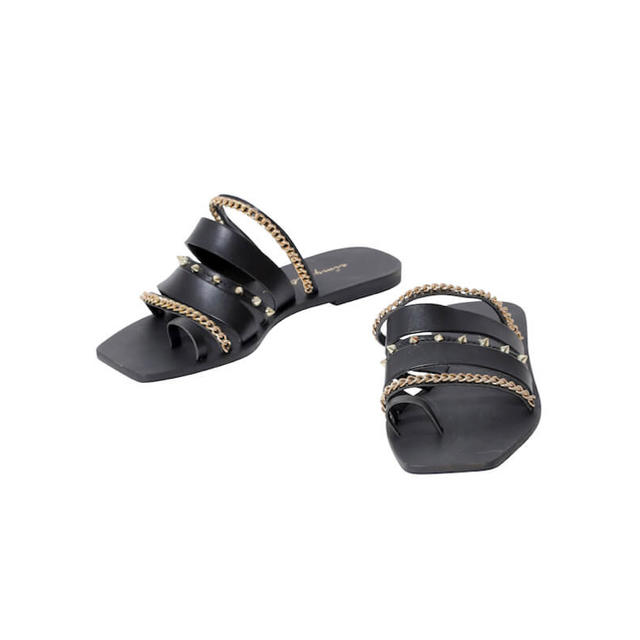eimy istoire(エイミーイストワール)のスタッズチェーンサンダル レディースの靴/シューズ(サンダル)の商品写真