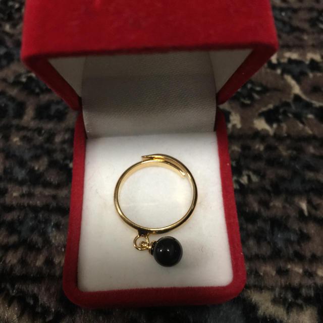 私物 ブラックストーンの指輪 フリーサイズ ハンドメイドのアクセサリー(リング)の商品写真