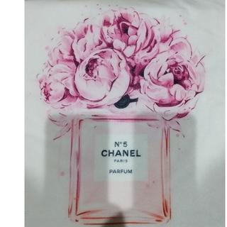 シャネル(CHANEL)のCHANEL香水柄クッションカバー(クッションカバー)