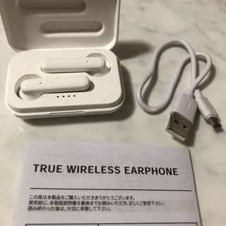スリーコインズ(3COINS)の3coins Bluetooth ワイヤレスイヤホン (ヘッドフォン/イヤフォン)