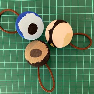 マリメッコ(marimekko)のマリメッコ ミニウニッコ くるみボタン3個セット(ヘアアクセサリー)