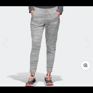 アディダス(adidas)のミディアムグレーヘザー/ホワイト(ルームウェア)