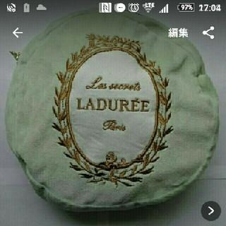 ラデュレ(LADUREE)の美品 ブランケット ラデュレ LADUREE マカロン 膝掛け 毛布 ポーチ(おくるみ/ブランケット)