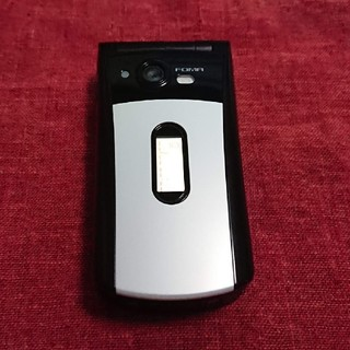 エヌティティドコモ(NTTdocomo)のドコモ SA702i ホワイトブラック ガラケー本体(携帯電話本体)