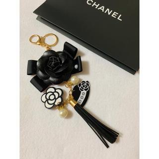 シャネル(CHANEL)のチャーム♡ハンドメイド(スマホストラップ/チャーム)